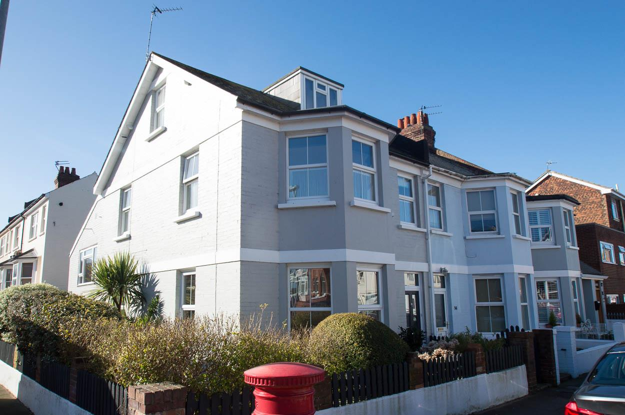 5 Bedrooms End Of Terrace House for sale in Redoubt Road, EASTBOURNE